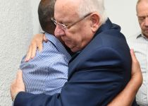 נשיא המדינה ערך היום ביקורי תנחומים אצל משפחות הנרצחים