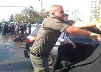 """צפו: שוטר יס""""מ דוחף בברוטליות מפגין חרדי"""
