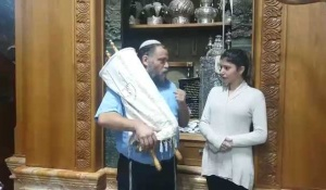 יהדות, על סדר היום היהודייה שהתאסלמה בהר הבית, חזרה ליהדות. צפו