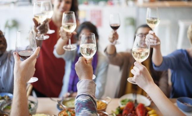 רווקים - כך תשרדו את תקופת החגים עם המשפחה