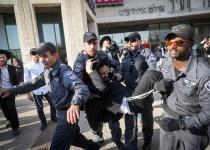 הפגנות החרדים: חסימות כבישים והיאבקות בשוטרים