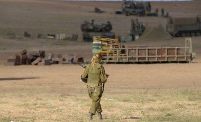"""""""טנק עם לוחמות לא יתמרן בתוך לבנון"""""""