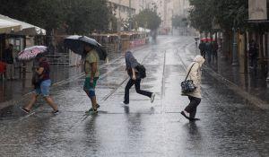 """חדשות, חדשות בארץ, מבזקים ירידה בטמפרטורות; הגשם שוב פה: תחזית מזג האוויר לסופ""""ש"""