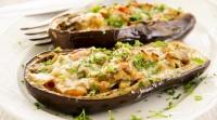 אוכל, מתכונים חלביים להיט ליום קריר: מתכון לסירות חצילים מפתיעות