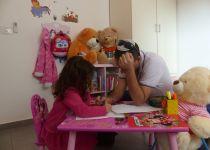 ניתוח להסרת בלוטת התריס הציל ילדה בת 3 בהדסה