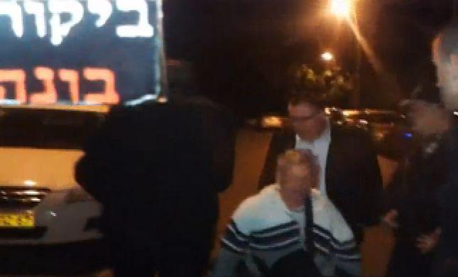 'נוכל, שקרן': דוד ביטן הותקף ביציאה מביתו. צפו