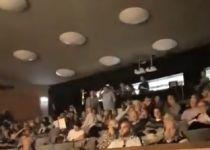 צפו: מפגין פוצץ הרצאה של השר זאב אלקין