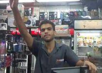 צפו: עובד בתחנת דלק תוקף את איתמר בן גביר