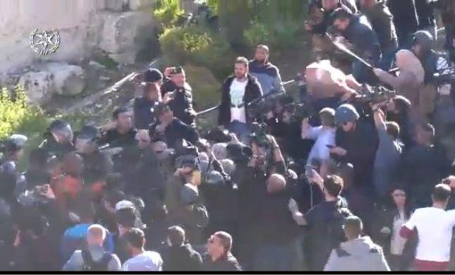 אפקט טראמפ: 77 עצורים בעקבות הפגנות נגד הכרזתו