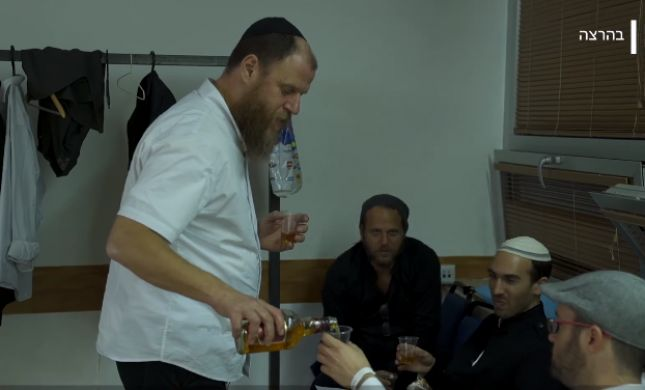 צפו: תיעוד מיוחד מאחורי הקלעים של 'צמאה'