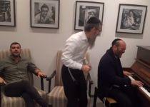 צפו: כשגדולי המוזיקה היהודית באורות של חנוכה