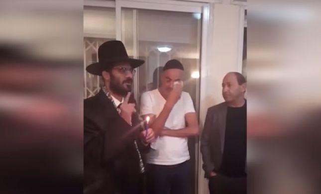 """צפו: נוחי דנקנר ורמי לוי אצל """"מקובל"""" חדש"""