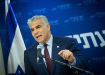 """לפיד תוקף: """"ההרתעה הישראלית נשרפת"""""""
