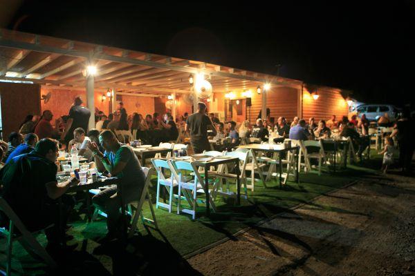 פסגת הבשרים בסלון של בישי ביקורת מסעדה