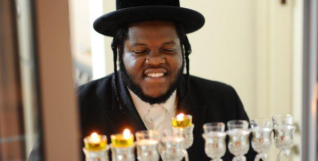 עושה ניסים: הראפר של המוזיקה היהודית בראיון חג