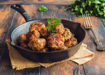 לכבוד שבת של חנוכה: מתכון ללביבות בשר