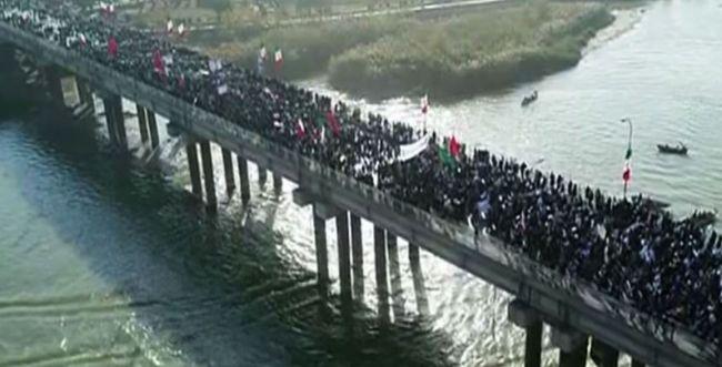 במקביל למחאה: אלפים במפגן תמיכה בשלטון איראן