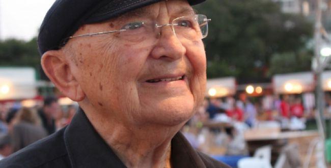 ברוך דיין האמת • בגיל 85: אהרן אפלפלד הלך לעולמו