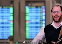 צפו: אהרן רזאל בקליפ חדש המוקדש לתורה