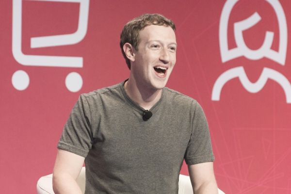 צוקרברג טוען: לא נעצור הכחשת שואה בפייסבוק
