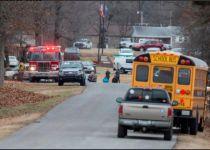 """טבח בארה""""ב: נער בן 15 רצח שני תלמידי תיכון"""