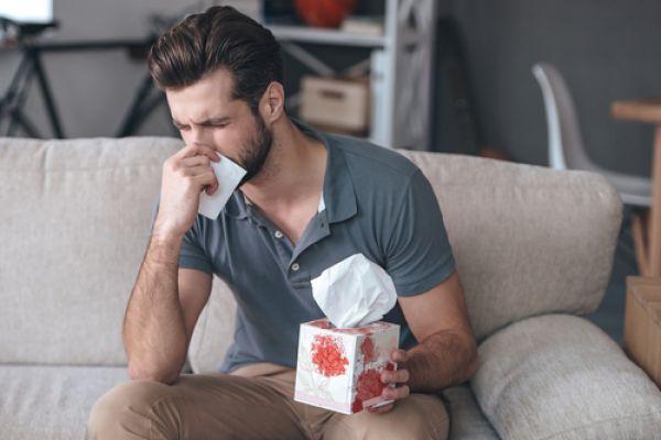 לא לבריאות: עצר התעטשות וגרם לעצמו נזק כבד