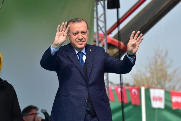 רגע האמת של ארדואן: טורקיה יוצאת לבחירות
