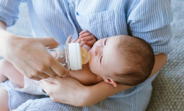האם תרופות של האם משפיעות על התינוק?