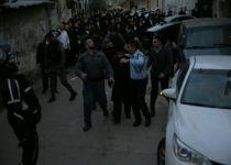 הרב רבינוביץ' הותקף על ידי המון חרדי קיצוני וחולץ. צפו