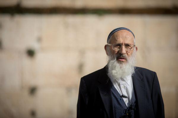 הרב אבינר מזהיר: חותכים את עם ישראל בסכינים