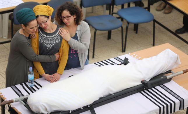 """תיעוד: מאות מלווים את הרב איתמר בן גל הי""""ד"""