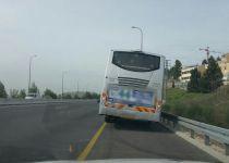 כמעט תאונה: האוטובוס לטלז סטון נטה על צדו