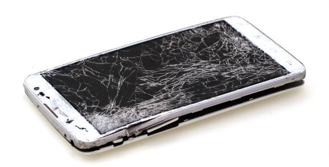 תשכחו ממגן זכוכית: הכירו את המסך שלא נשבר לעולם