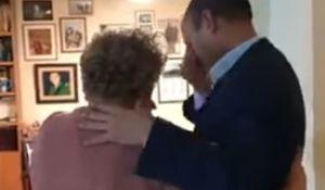 חדשות, חדשות בארץ, מבזקים מרגש • צפו: בנט מודיע למרים פרץ על זכייתה בפרס ישראל