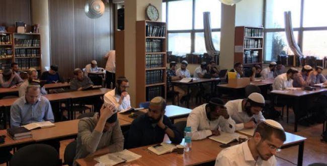 'קמחא דפסחא' לאברכים נזקקים מהציונות הדתית