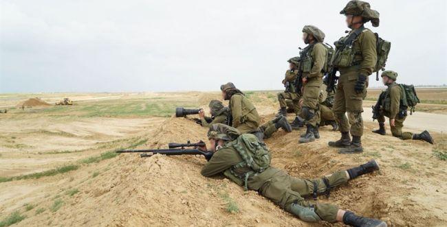 """17 אלף מפגינים ב""""צעדת השיבה""""; 7 פלסטינים הרוגים"""