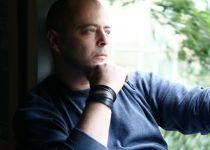 """לאחר שהשתחרר מבי""""ח: אחות של הזמר אדם נפטרה"""