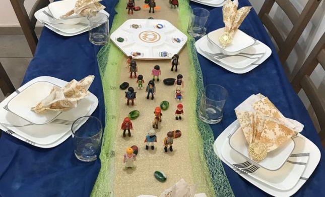 רעיון מדליק לליל הסדר: שולחן יציאת מצרים