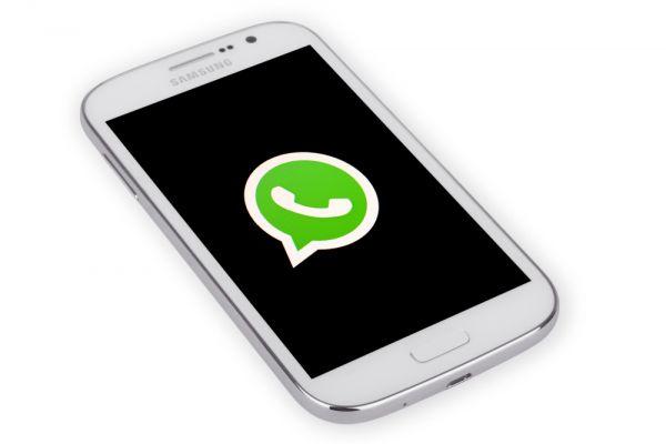 מדוע וואטסאפ מגבילה העברת הודעות בהודו?