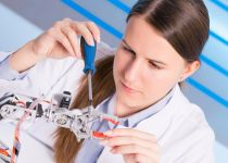 מכללת עזריאלי מקום ראשון בשילוב נשים בהנדסה