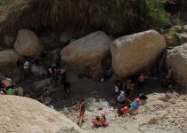 טרגדיה בנחל דוד: אדם טייל לבד- ונפל אל מותו