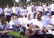 מרגש:ריבו והעולים החדשים שרים ''לשוב הביתה''