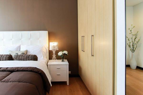 כך תעצבו חדר שינה בסגנון כפרי