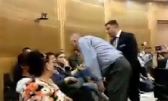 """ח""""כ רוזנטל התנפל על פעילה בדיון בכנסת. צפו"""