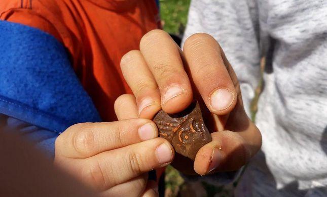 תלמידים גילו בשומרון נרות חרס מתקופת התלמוד