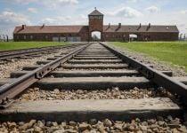 איפה היה אלוהים בשואה? הוא היה שם כל הזמן