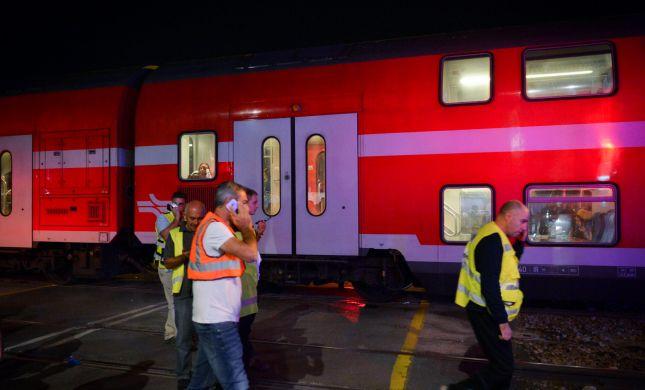 הרכבת חצתה את המכונית לשניים. 2 הרוגים במקום