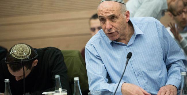 פונדקאות לזוג גברים - זה לא מוסרי ולא יהודי