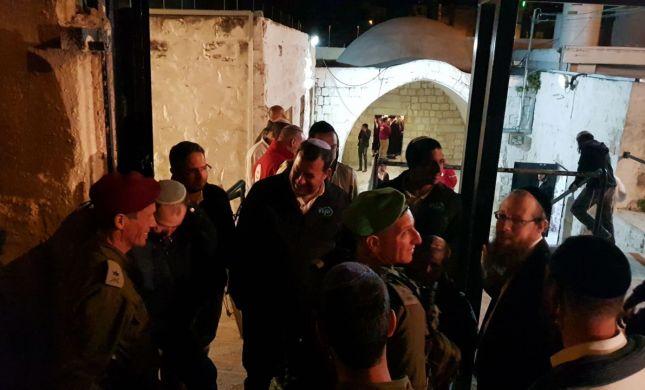 כ- 1500 איש ערכו תפילה חגיגית בקבר יוסף