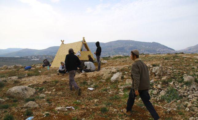 מזעזע: חיילים ירו באוויר לעבר תושבי מאחז בשומרון
